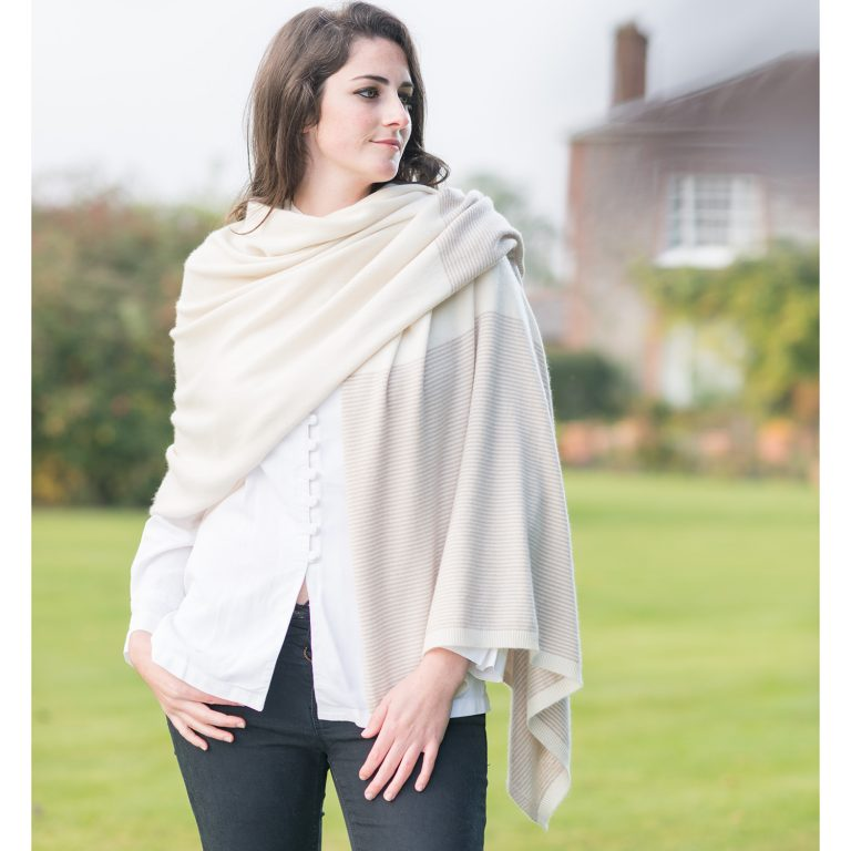 Cashmere wraps and scarves made from premium cashmere